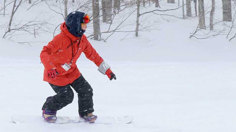 スクールの先生が教えるスノーボードの基本姿勢の3つのポイント