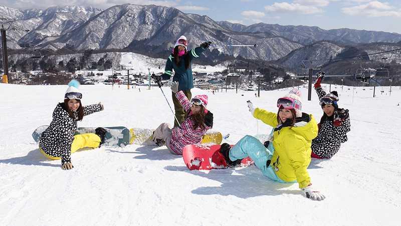 新潟 スキー 場 積雪 量
