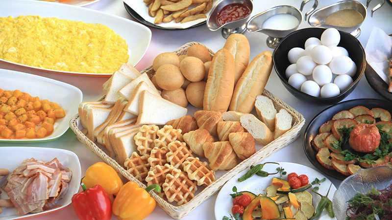 スノボツアーエンゼルグランディア バイキング朝食