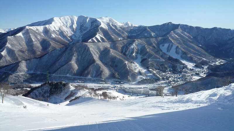 スノボツアー苗場スキー場