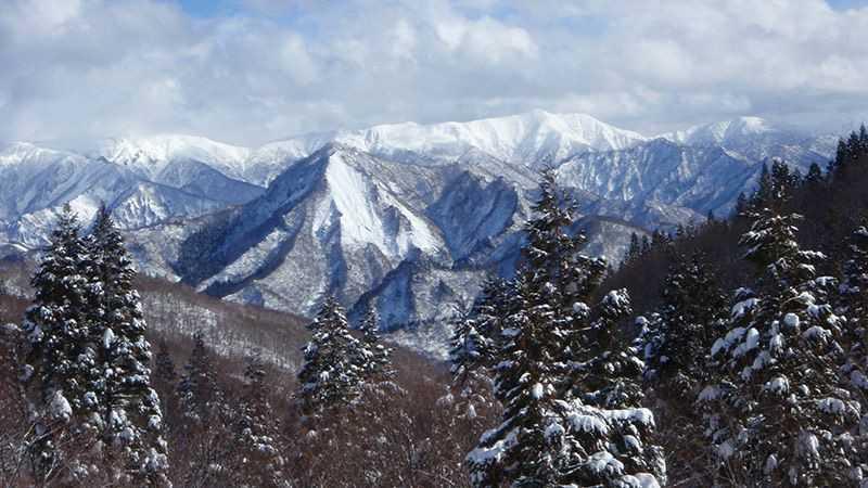 思わず写真を撮りたくなる絶景スキー場10