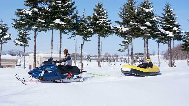 スノーラフティング