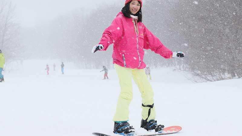 スノーボード初心が一番先に覚えるべき木の葉滑りの2つのコツ