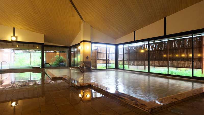 スノボツアー黒部観光ホテル_木の湯内湯